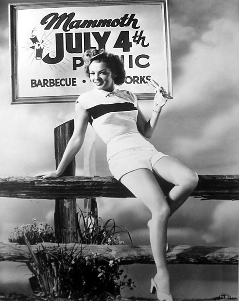 myrna-dell-july-4th-1948-vintage-pinup