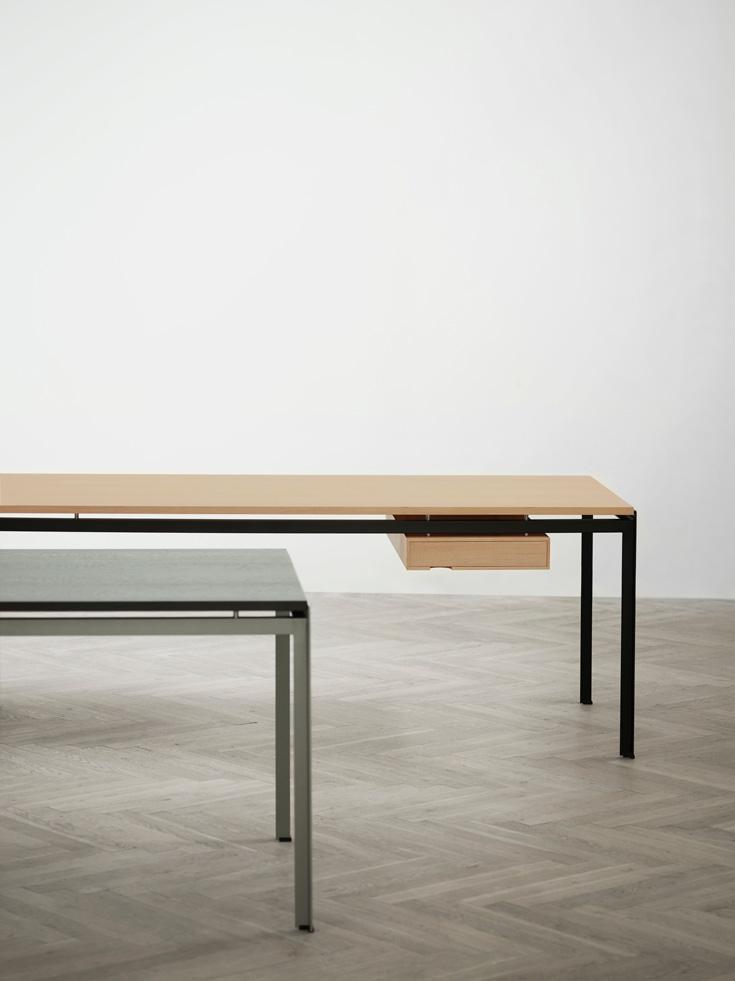 desk 5